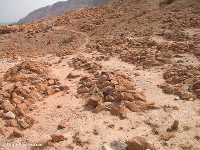 qumran-cemetery-burials